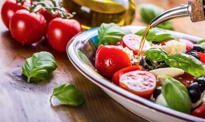 Aprende a preparar una ensalada griega