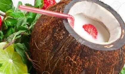 Libera tu organismo de toxinas con este batido de fresas y coco.