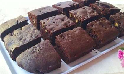 Deleita tu paladar con estos Brownies de frambuesa con chips de chocolate
