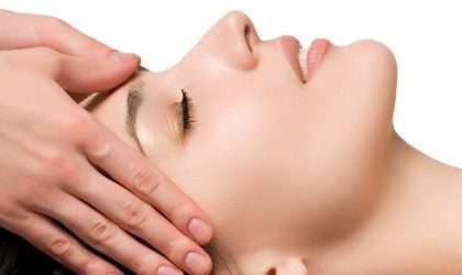 Combate la flacidez de tu cara con los siguientes ejercicios