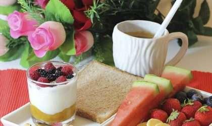 Inicia tu dia con un plato de frutas frescas ¿Por qué?