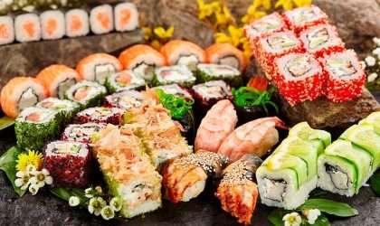 Ensalada de arroz de sushi