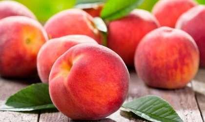 Los duraznos frutos terapéuticos