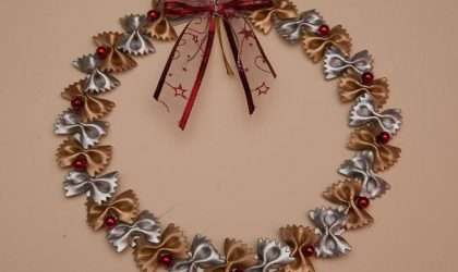 Prepara una corona de navidad con macarrones