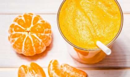 Jugo refrescante de mandarina y zanahoria