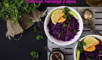 Para almorzar saludable: Col roja, naranja y pepino