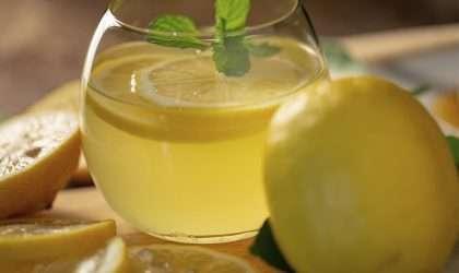 ¡Estas son las 10 razones por las que debes iniciar a exprimir limones!