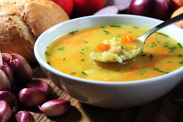Sopa con alforfón y pollo