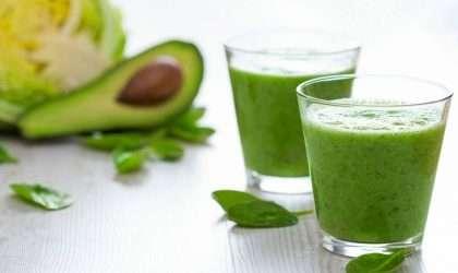 Batido verde cremoso de aguacate y lima. ¡Pierde peso ahora!