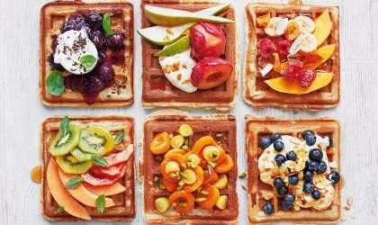Ponle color y sabor a tus desayunos con estos wafles
