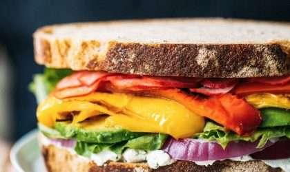 Sándwich de vegetales ¡una merienda verdaderamente colorida!