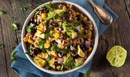 ¡Adiós a la hinchazón abdominal! Ensalada de quinoa al estilo mexicano
