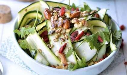 Ensalada detox de zucchini