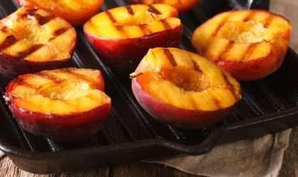 Los 6 mejores postres a la parilla que puedes preparar con frutas sin subir de peso